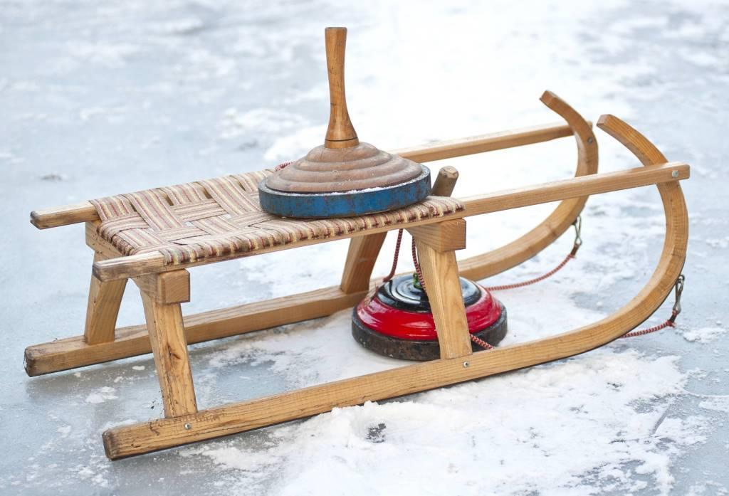 Eisstockbahnen laden zum sportlichen Vergnügen ein copyright: iStock / wakila