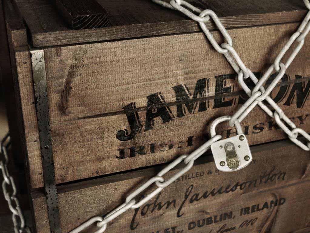 Das Team, das die Aufgabe erfolgreich löst, erwartet im Jameson Escape Room ein besonderes Goodie! copyright: PR / Pernod Ricard Deutschland