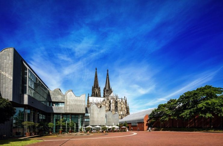 Kölner Dom wird gegen Terroranschläge abgesichert copyright: CityNEWS / Alex Weis