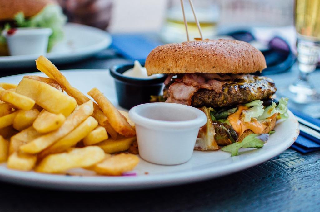 Fast Food vom Feinsten: Street Food, Burger und Co. copyright: pexels