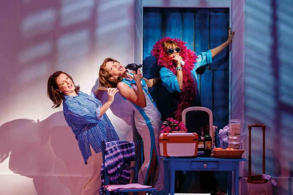 MAMMA MIA! verspricht ausgezeichnete Gute-Laune-Garantie garantiert! copyright: Stage Entertainment