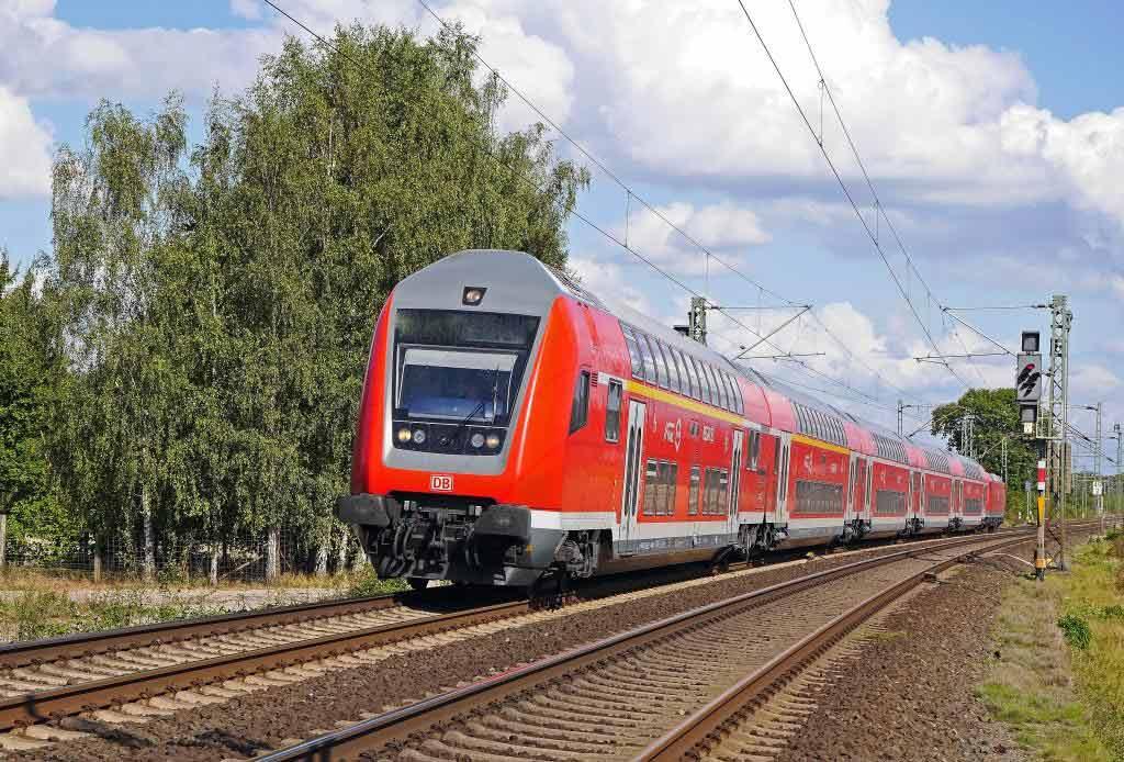 Mit dem Zug in die Domstadt anreisen copyright: pixabay.com