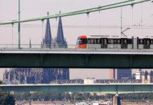 Mit Bus und Bahn zur Kölner Messe copyright: Kölner Verkehrs Betriebe copyright: Christoph Seelbach / Kölner Verkehrs-Betriebe AG