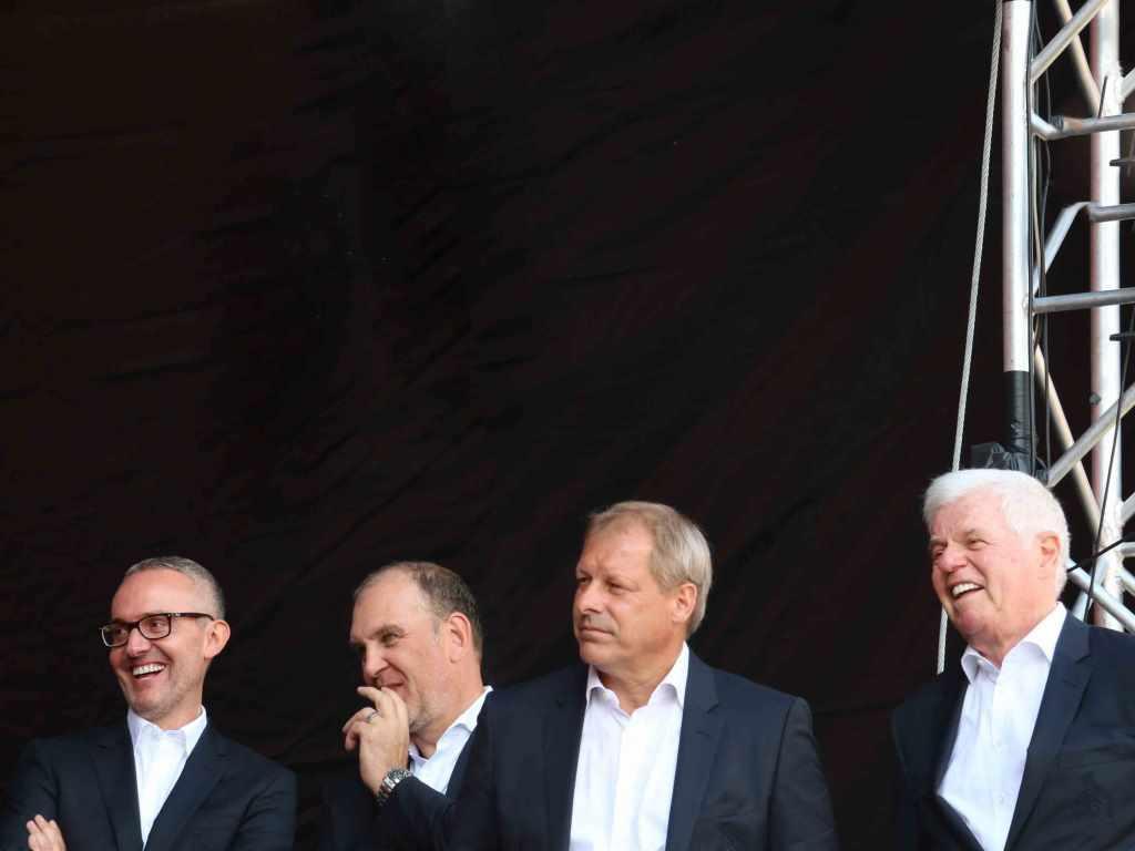 Zur Saisoneröffnung war die Geschäftsführung noch guter Dinge. (v.l.n.r. Alexander Wehrle, Jörg Schmadtke der mittlerweile ebenfalls den Verein verlassen hat, Markus Ritterbach und Werner Spinner) copyright: CityNEWS