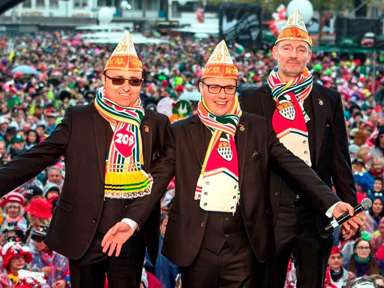 Die Proklamation des Kölner Dreigestirns ist natürlich auch im Fernsehen zu sehen: Am Sonntag, 7. Januar um 20:15 Uhr zeigt der WDR alle Höhepunkte des Abends. copyright: WDR / imago / Manngold