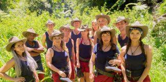 """Tag 1 im Dschungelcamp 2018: Nach dem Einzug der """"Promis"""" ging es in die Dschungelschule Foto: MG RTL D / Stefan Menne"""