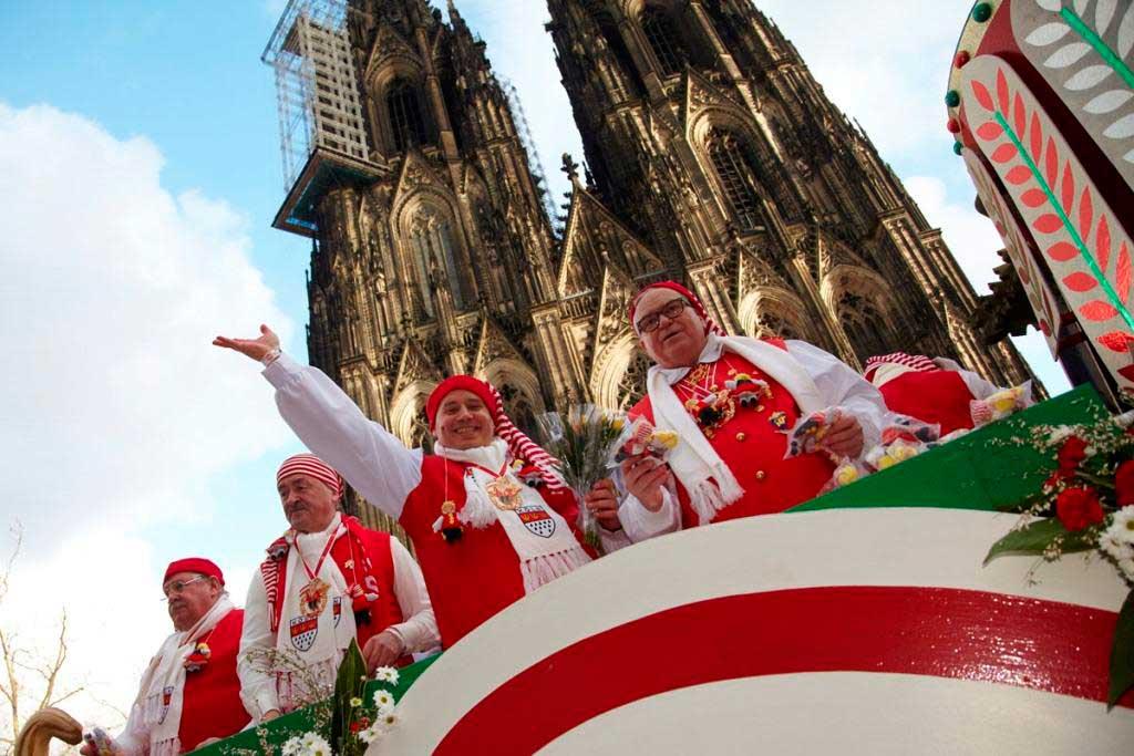 An Rosenmontag heißt es: D´r Zoch kütt! copyright: KölnTourismus GmbH / Dieter Jacobi