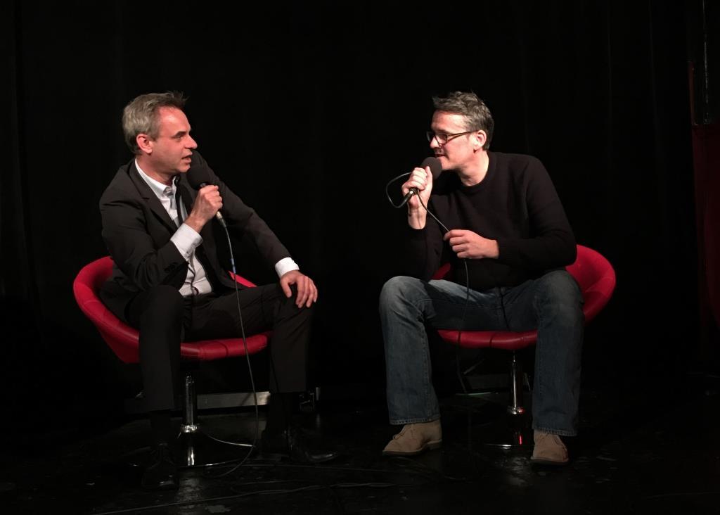 Frank Überall und Ralf Kabelka beim Talk über Satire und Journalismus. copyright: HMKW Hochschule