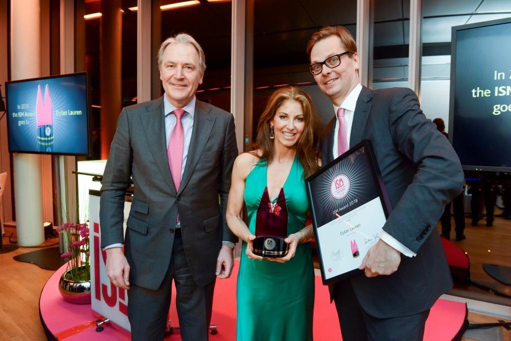 Gerald Böse, Dylan Lauren, und Bastian Fassin bei der Verleihung des ISM Award KölnSky. © Koelnmesse GmbH, Uwe Weiser