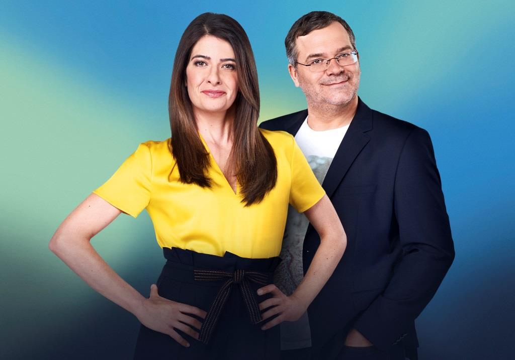 """Linda Zervakis und Elton führen durch die Sendung """"Eurovision Song Contest 2018 - Unser Lied für Lissabon"""". copyright: NDR/Thorsten Jande"""