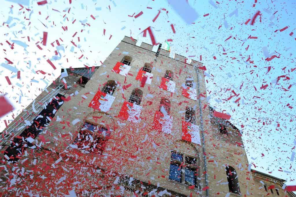 An der Severinstorburg findet das Historienspiel Jan und Griet statt. copyright: Festkomitee Kölner Karneval
