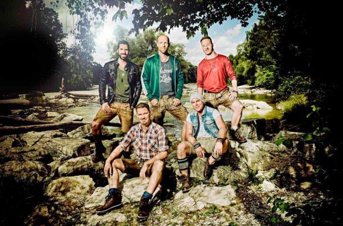 Die Münchener Band voXXclub mischt Traditionelles mit Modernem. copyright: NDR/Severin Schweiger