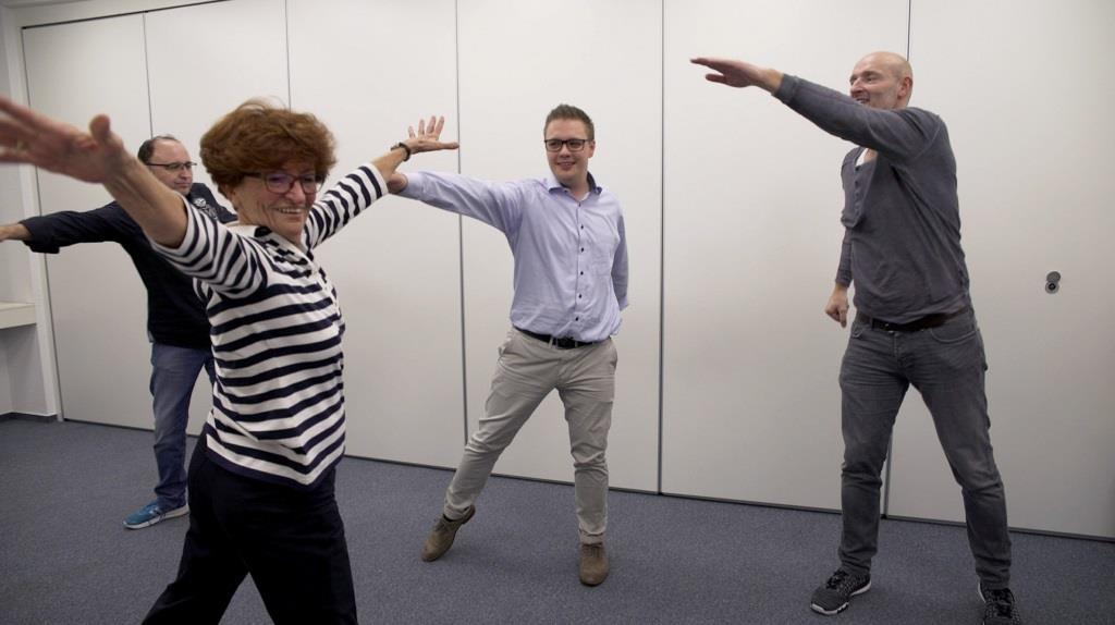 Voller Einsatz: Das Kölner Dreigestirn 2017/2018 beim Tanztraining mit der 86-jährigen Biggi Fahnenschreiber. copyright: WDR / 2Pilots
