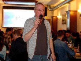 Bei Sven Kröger darf zwischen den Fragen darf der ein oder andere lustige Spruch nicht fehlen. copyright: Johanna Wendel