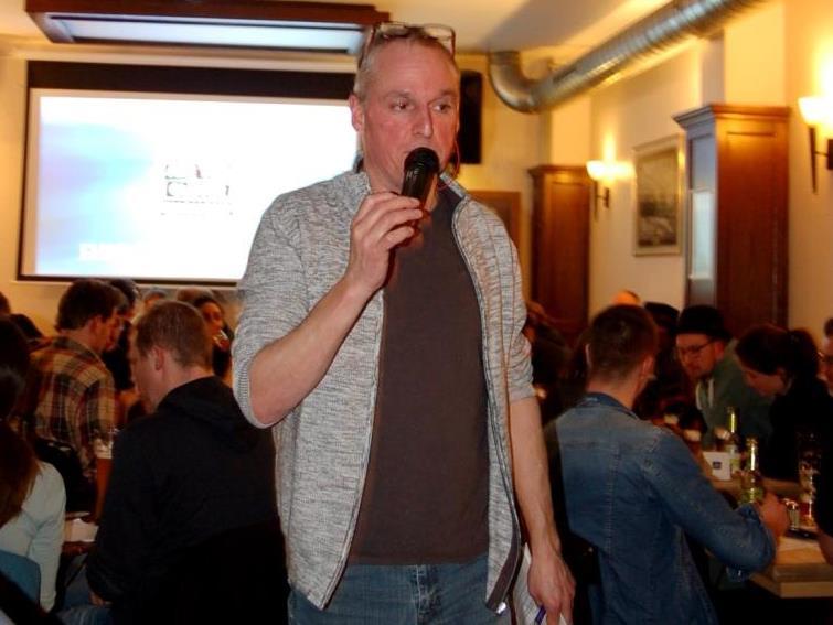 Bei Sven Kröger darf zwischen den Fragen der ein oder andere lustige Spruch nicht fehlen. copyright: Johanna Wendel