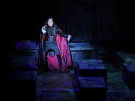 Musical Tanz der Vampire feiert Premiere in Köln: Der Graf lädt zum Mitternachtsball copyright; CityNEWS / Thomas Pera