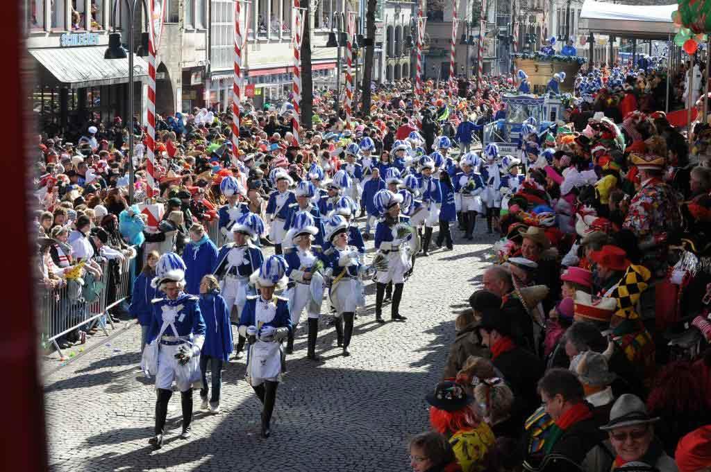 Zahlreiche Besucher beim Rosenmontagszug 2018 copyright: Festkomitee Kölner Karneval