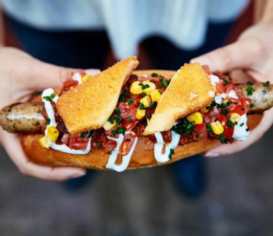 Auf kulinarische Streetfood-Reise bei Mad Dogs: Selbstgemachte Hotdogs im Belgischen Viertel copyright: Mad Dogs / TEOMEDIA