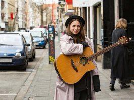 Bei Frau Winzig passt alles unter einen Hut copyright: CityNEWS / Alex Weis