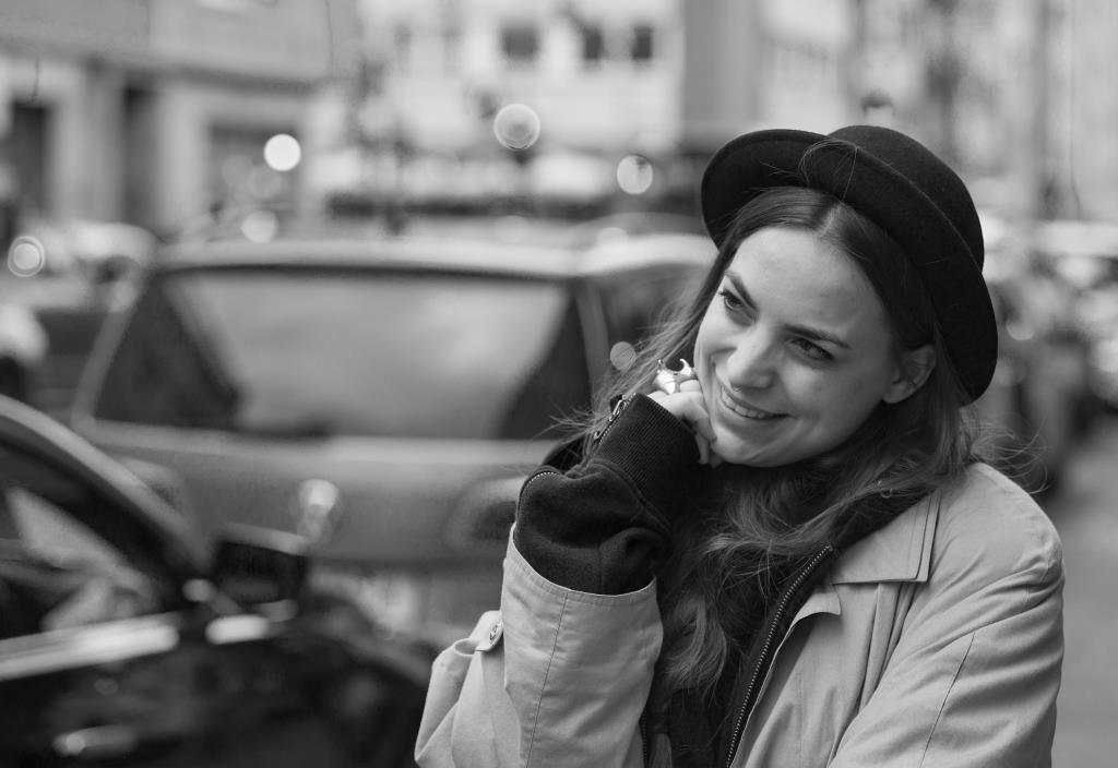 Mascha Winkels ist Barchefin einer Kölner Strandbar, Lehrerin an einer Förderschule und Musikerin aus Leidenschaft. copyright: CityNEWS / Alex Weis