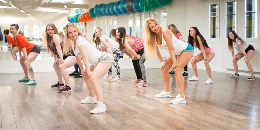 Eine wahre Herausforderung für Beine und Hüften ist beispielsweise twerXout, das auf dem Twerking basiert. copyright: Twerxout