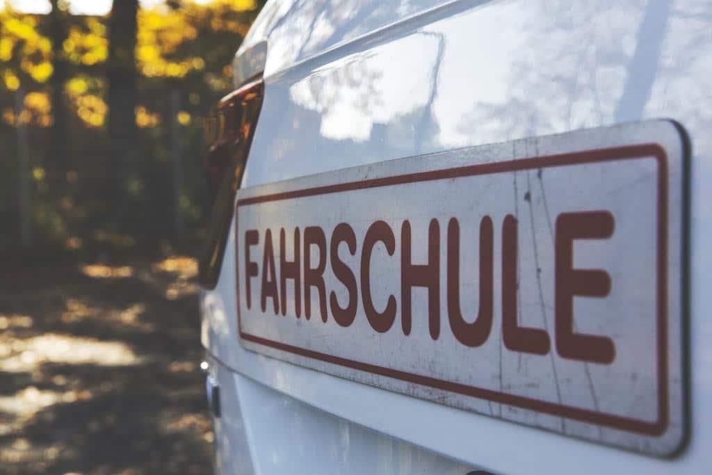 Gehen Sie mit CityNEWS noch einmal auf Kurzbesuch in die Fahrschule. Machen Sie den Test: Die fünf größten Irrtümer im Straßenverkehr! copyright: pixabay.com