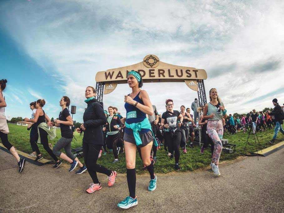 Wanderlust bringt einen ganz speziellen Triathlon nach Köln. Am 16. Juni heißt es auf dem Gelände des ASV Laufen, Yoga und Meditation copyright: Johannes Riggelsen