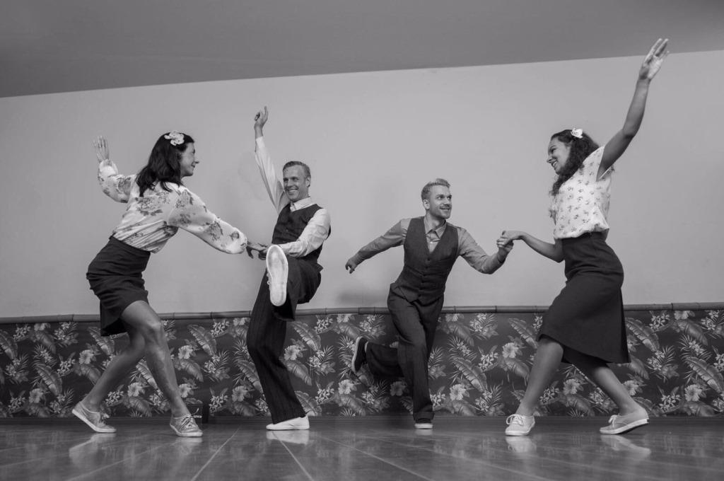 Gute Laube steht beim Lindy Hop an erster Stelle. copyright: Michael Nao