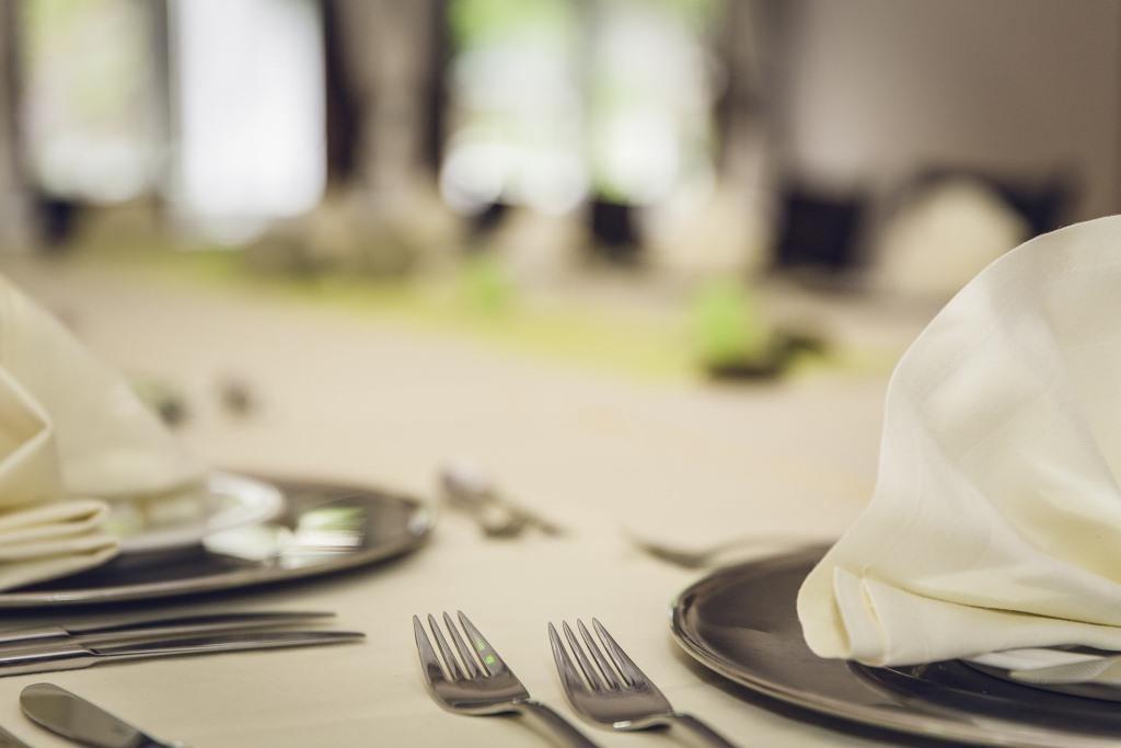 Genießen Sie ein romantisches Candle-Light-Dinner. copyright: pixabay.com