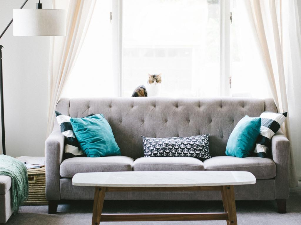 Welche Lichtfarbe passt zum Wohnzimmer? copyright: pixabay.com