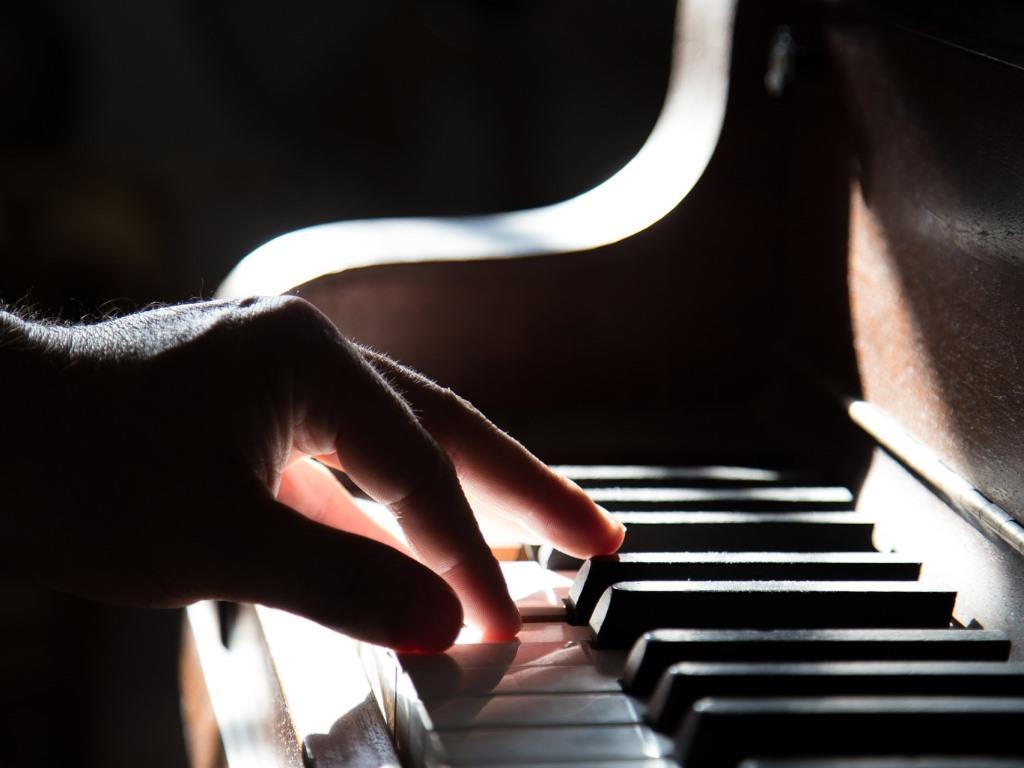 Freude am Klavier spielen mit unseren Anfänger-Tipps copyright: pixabay.com