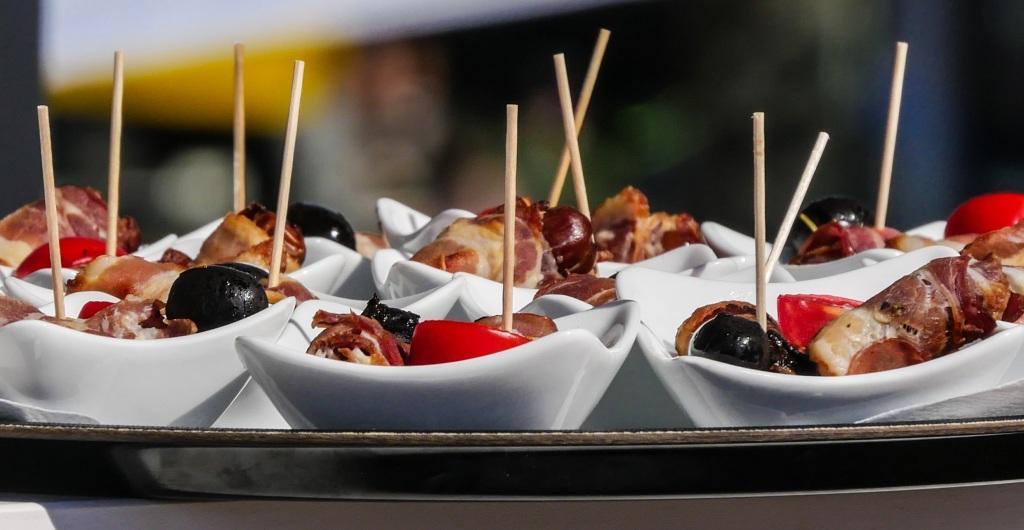Ein gutes Catering sorgt für zufriedene Gäste copyright: pixabay.com