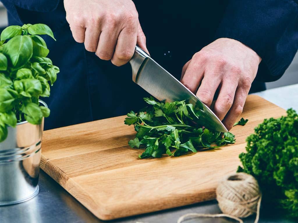 Die Soul-Cooking-Serie von BUTLERS spricht allen aus der Seele, die Freude am Kochen haben und Wert auf gute Qualität legen. copyright: BUTLERS GmbH & Co. KG