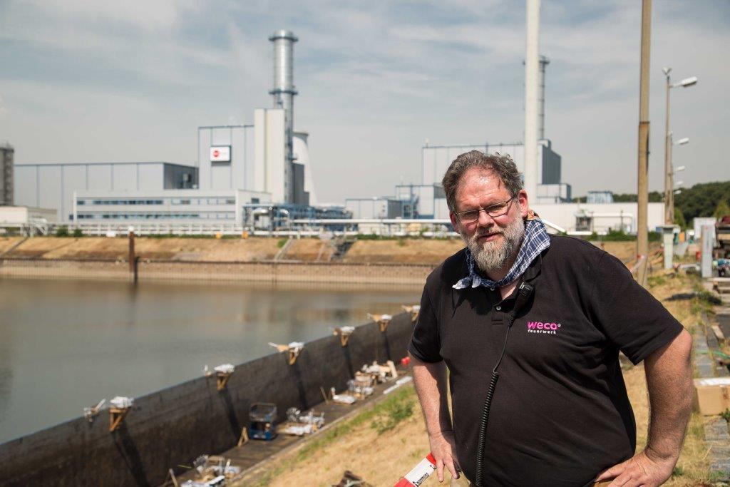 Chef-Pyrotechniker Georg Alef von WECO hat sich auch zu den Kölner Lichter 2019 wieder eine großartige Feuerwerks-Show ausgedacht. copyright: CityNEWS / Alex Weis