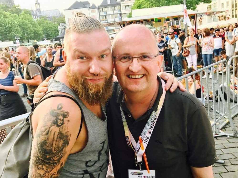 Die Kommentatoren der CSD-Demo in KÖln: Marco Holtz (li.) und Uwe Lautenschläger (re.) copyright: ColognePride