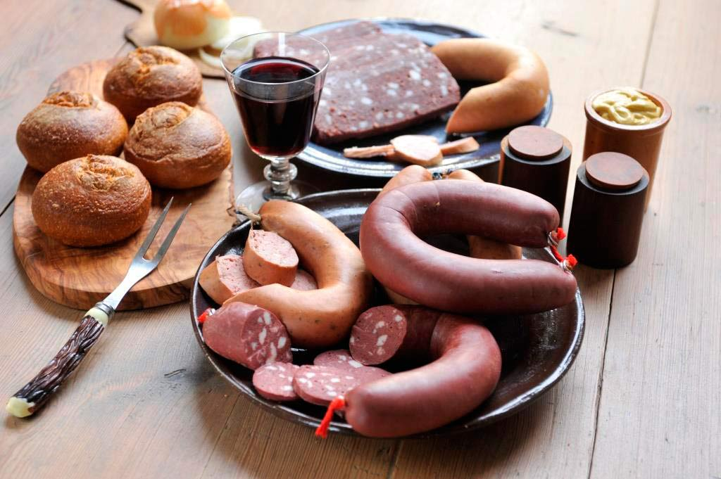 Es geht – nicht nur – um die Wurst: Metzger-Qualität, die man schmeckt copyright: GS Schmitz GmbH