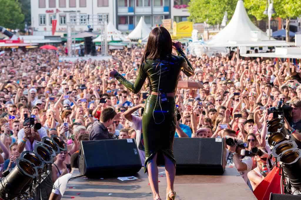 Das CSD-Straßenfest: Volles Programm auf drei Bühnen in der Kölner Altstadt copyright: ColognePride