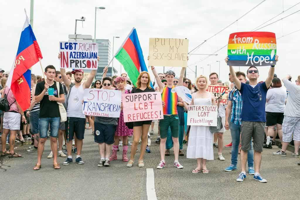 Die Demonstration durch die Kölner Innenstadt bildet immer einen der Höhepunkte des ColognePride copyright: ColognePride