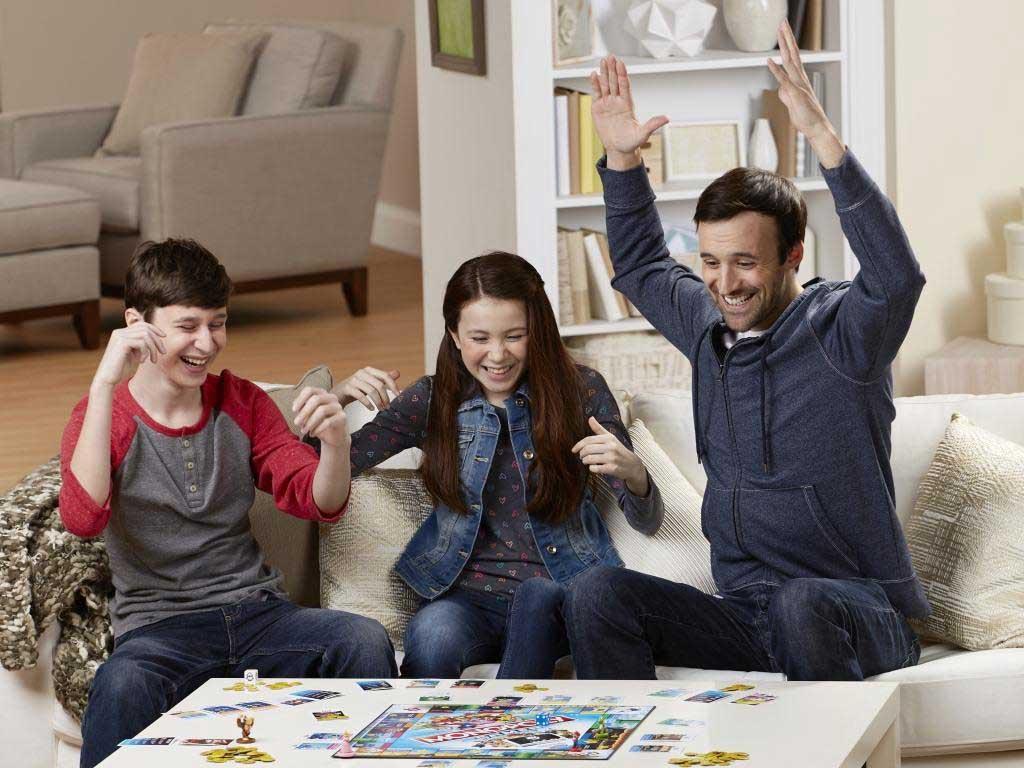 Die beliebtesten Nintendo Figuren im Brettspiel-Wettkampf: Monopoly Gamer - Mario Edition copyright: Hasbro Gaming