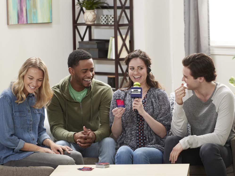 Dummschwätzer von Hasbro Gaming: Das neue Partyspiel mit Lachgarantie! copyright: Hasbro Gaming