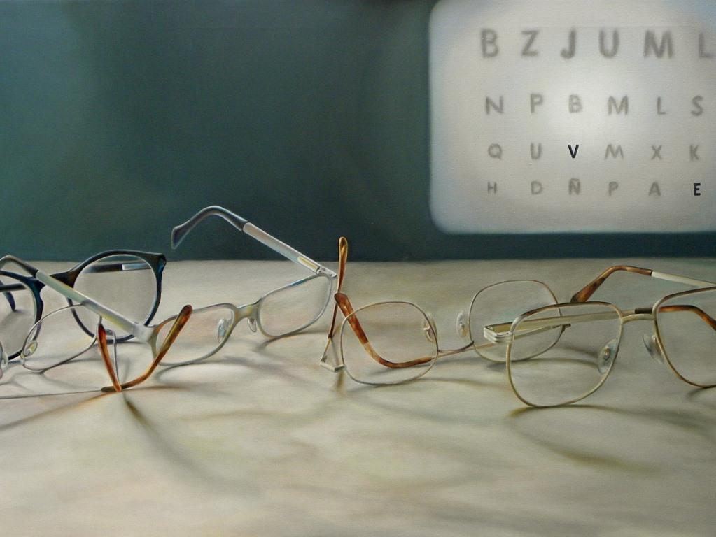 Beim Brillenkauf gibt es einiges zu beachten - so auch die farbliche Kombinierbarkeit mit dem restlichen Outfit. Wer auf Nummer sicher gehen möchte, greift zu neutralen Farben. copyright: pixabay.com