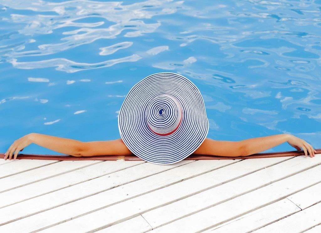 Ein Swimming-Pool sorgt garantiert für Abkühlung an heißen Tagen. copyright: pixabay.com