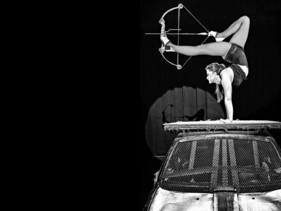 Cristina Garcia – Kontorsion Die junge spanische Artistin, die zur Weltspitze ihres Genres gehört, verbiegt ihren Körper in schier unmenschlichen Stellungen. Körperkunst ist Kult.