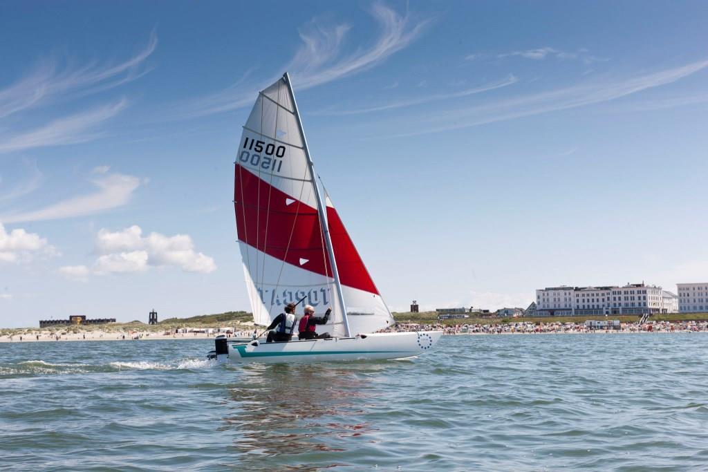 Wassersport ist auf der Nordseeinsel Borkum äußerst beliebt. copyright: Nordseeheilbad Borkum GmbH