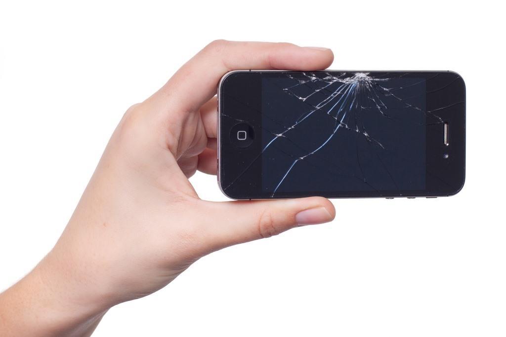 Fällt das Gerät zu Boden, so ist mitunter ein Glasbruch am Display fast schon vorprogrammiert. copyright: pixabay.com
