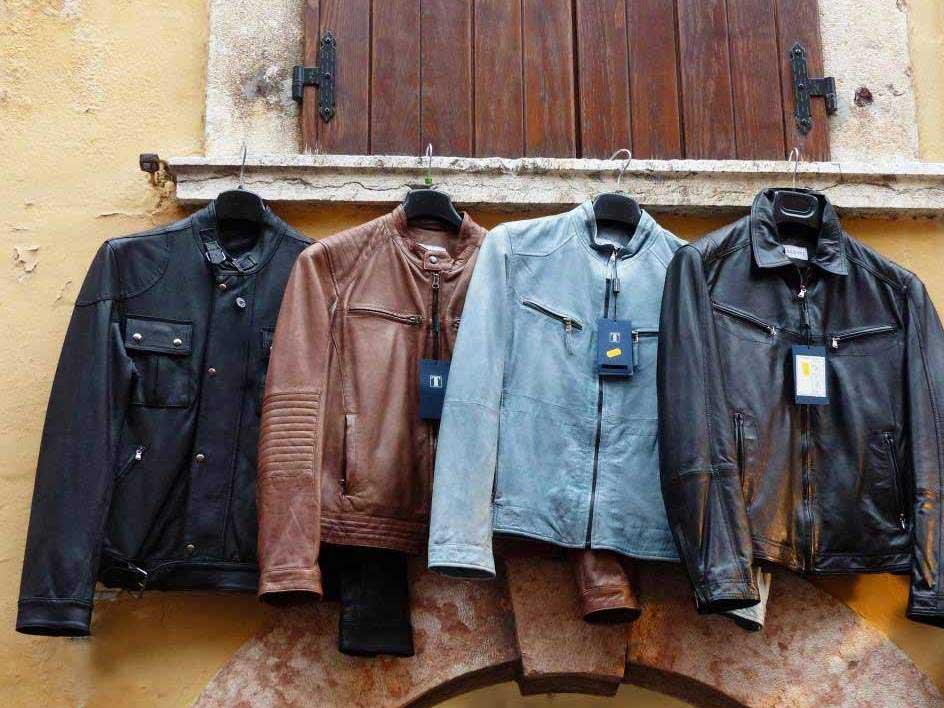 Lederjacken sind seit Jahren ein Must-Have zu jeder Jahreszeit. copyright_ pixabay.com