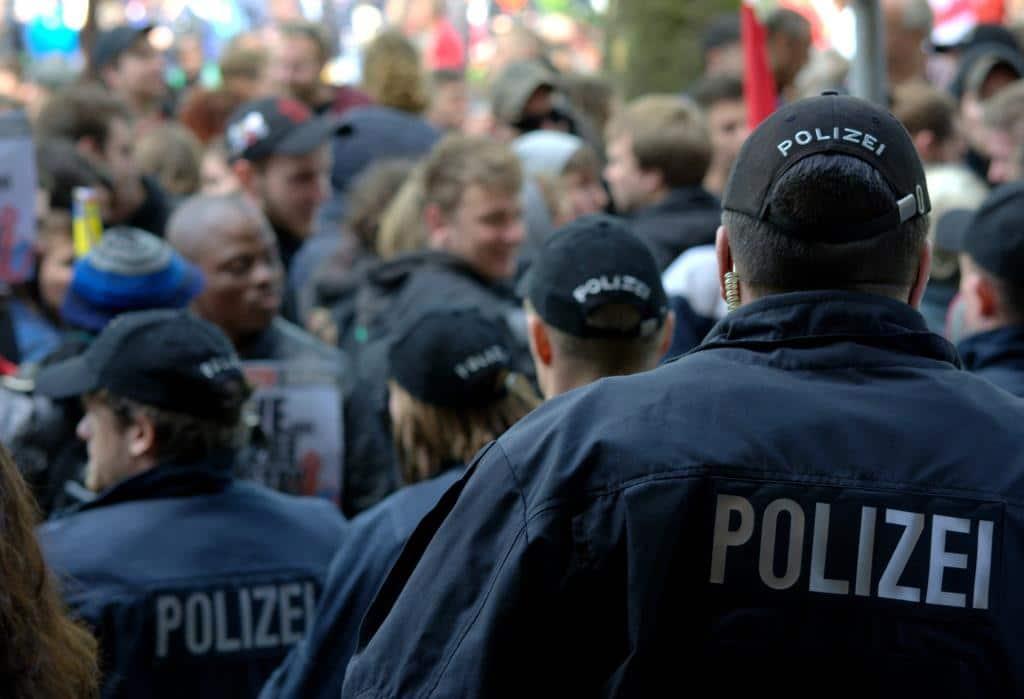 Die Polizei wird mit meheren Hundertschaften zur Demonstration im Einsatz sein. (Symbolbild) copyright: pixabay.com