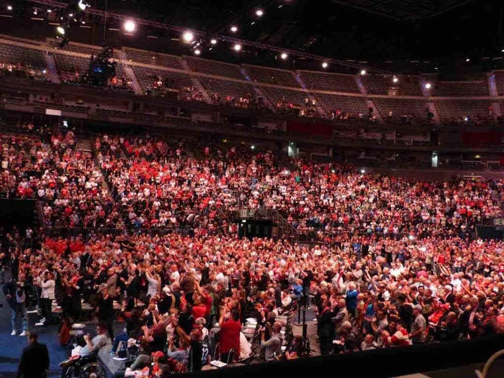 Über 6.000 Mitglieder besuchten die Mitgliederversammlung 2018 des 1. FC Köln in der LANXESS arena. copyright: CityNEWS / Heribert Eiden