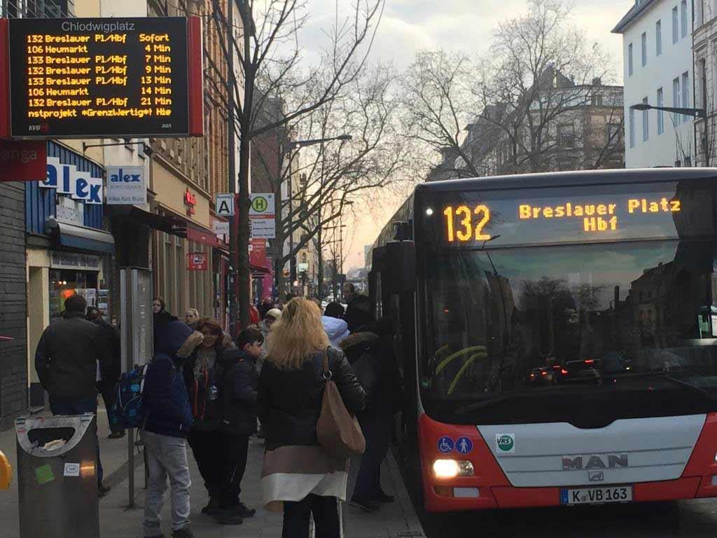 Auch auf den KVB-Bus-Linien gibt an Weiberfastnacht 2020 Änderungen im Fahrplan. copyright: Stephan Anemüller / Kölner Verkehrs-Betriebe AG
