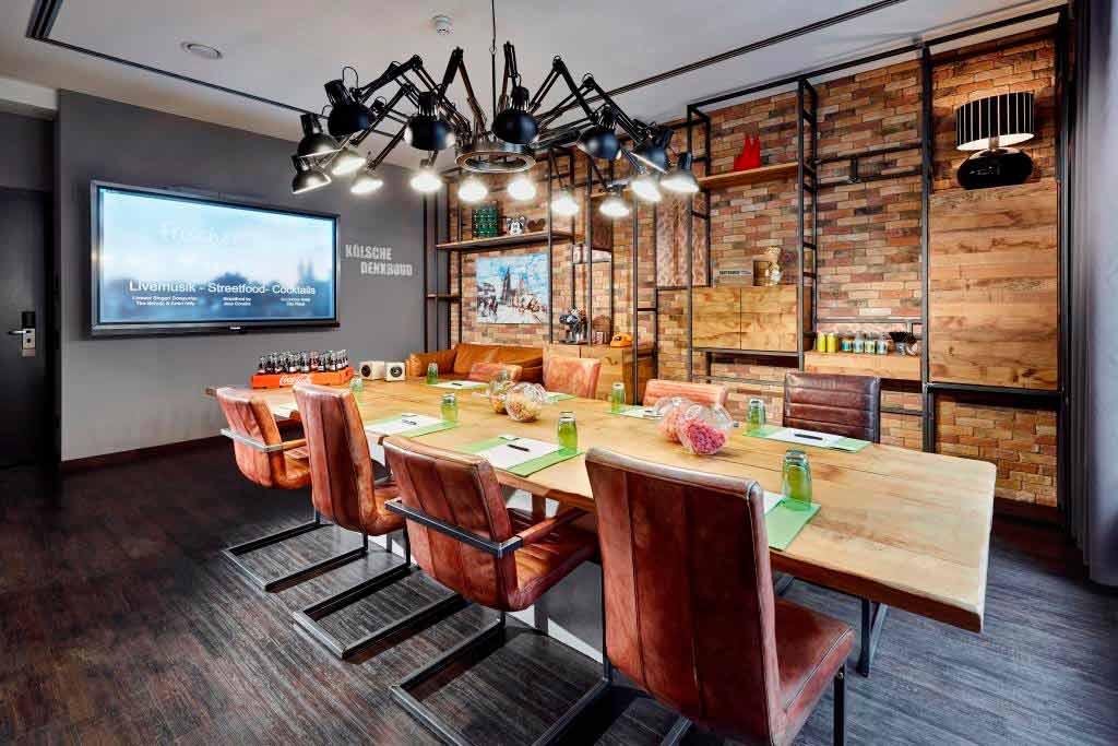 Die Konferenzräume laden zu kreativen Tagungen, Brainstormings und Meetings ein. copyright: Lidner Hotels